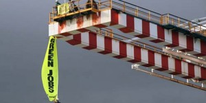 Greenpeace, 100 Eylemcisi İle İtalya'nın Dört Büyük Termik Santralini Bloke Etti