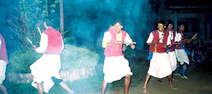 Değnek Dansı