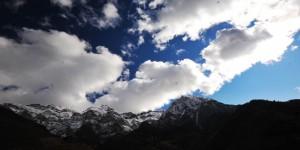 Orda Bir Bulut Var Uzakta