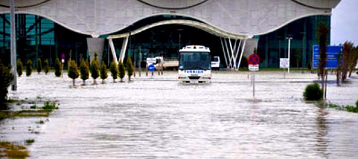 Göl Kurutulmaz, Üzerine Havaalanı Hiç Yapılmaz!