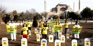 Sultanahmet Meydanı'nda Nükleer Karşıtı Eylem