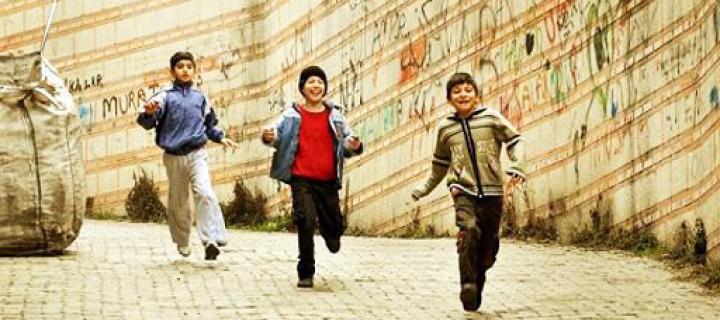 Işığın Peşindeki Çocuklar Bu Kez Objektiflerini İstanbul'a Yöneltiyor!