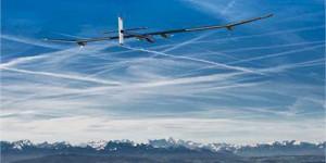Güneş Enerjisi Kullanan İnsanlı Bir Uçakla, En Uzun Seyahat Denemesi