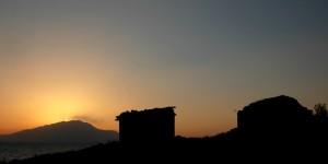 Günbatımında Adır Adası ve Süphan