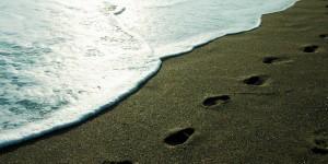 Sahildeki Ayak İzi