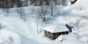 Kar mı Yağmış Servetiye'nin Başına