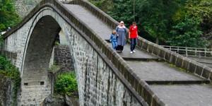 Mençuna Köprüsü