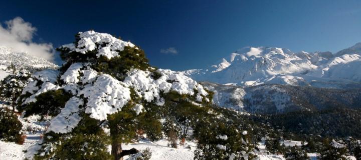 Dedegöl Dağları Karlar Altında
