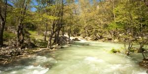 Ağaçkese Köyü'nde, Araç Çayı'na (Sırçalı Kanyonu): 23 km
