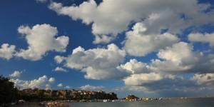 Karadeniz Üzerinde Beyaz Bulutlar / Amasra