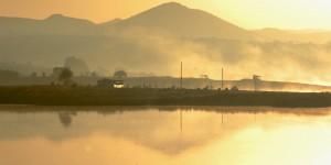 Sisli Bir Sabahı Emre Gölü'nde Karşılamak