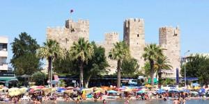 Tarihi Çandarlı Kalesi'nin Restorasyonu Tamamlandı