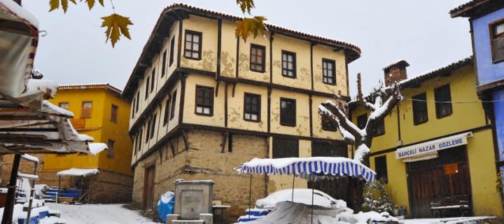 Cumalıkızık'ta Yılın İlk Karı -5