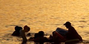 Akdeniz'de Mutlu Bir Akşamüstü