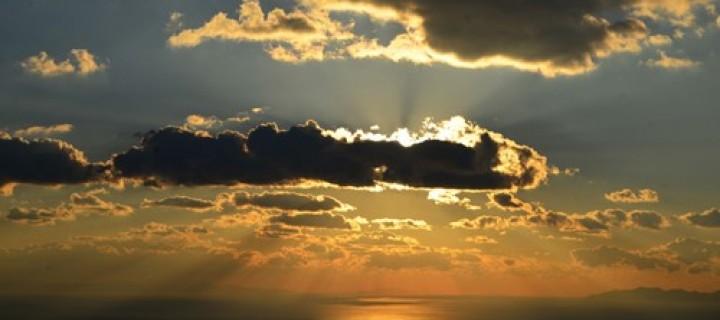 21 Aralık / En Uzun Gece. Kış Mevsiminin Başlangıcı. Gün Dönümü Fırtınası