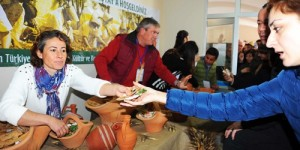 Seferihisar'da Yerel Tohumlar Takas Edildi