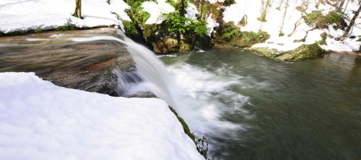 Suuçtu Şelalesi'nde Kış